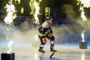 Mit neuem Feuer aufs Eis: Livio Stadler vor dem NLA-Spiel gegen den HC Lugano. (Bild: Alexandra Wey/Keystone (Zug, 22. September 2018)