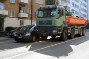 Auto gegen Lastwagen auf der Teufener Strasse kurz vor der Verzweigung mit Oberstrasse und Wassergasse. (Bild: Stadtpolizei St.Gallen - 26. September 2018)
