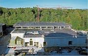 Der Neubau für die weitere Reinigungsstufe in der ARA am Alten Rhein ist im Rohbau fertig. (Bild: Fritz Bichsel)