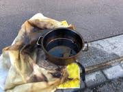 Das Öl in dieser Pfanne ging in Flammen auf. (Bild: Stadtpolizei St.Gallen)
