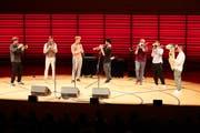 Die österreichische Brassband Federspiel entzückte das Publikum im KKL mit Finessen. Bild: Jakob Ineichen (26. September 2018)