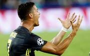 Cristiano Ronaldo weist den Vergewaltigungsvorwurf zurück. (Bild: AP/Alberto Saiz)