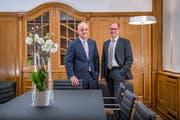 Franz Osterwalder (rechts), Leiter der Bank CIC in St.Gallen, und Christoph Bütikofer, Leiter der Region Deutschschweiz/Tessin des Geldinstituts. (Bild: Urs Bucher)