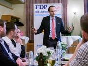 Benedikt van Spyk, Vize-Staatssekretär des Kantons St. Gallen, führte durch die Sicherheitsaspekte des eVotings. (Bild: Sascha Erni)