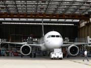 Mit den Flugzeugen der neuen Airbus-neo-Generation will die Swiss sparsamer und leiser fliegen. (Bild: KEYSTONE/EPA/CAROLINE BLUMBERG)