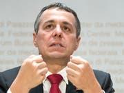 Der Bundesrat hat die Hoffnung noch nicht aufgegeben: Aussenminister Ignazio Cassis soll weiter über ein Rahmenabkommen verhandeln. (Bild: KEYSTONE/PETER SCHNEIDER)