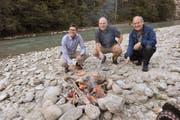 Jetzt geht es um die Wurst für das Projektteam: (von links) Stefan Rohrer, Josef Zgraggen und Peter Ziegler. (Bild: Urs Hanhart (28. September 2018))