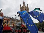 Die Mehrheit der Briten würde Umfragen zufolge in einem neuen Referendum nicht mehr für einen Austritt Grossbritanniens aus der EU stimmen. (Bild: KEYSTONE/AP/FRANK AUGSTEIN)