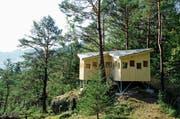 Jedes der 16 Fenster des sogenannten Hides weist auf eine Besonderheit des Naturschutzgebiets Hangried bei Goldau. (Bild: PD)
