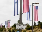 Die Palästinenser gelangen wegen der nach Jerusalem verlegten US-amerikanischen Botschaft an den Internationalen Gerichtshof in Den Haag. (Bild: KEYSTONE/EPA/ABIR SULTAN)