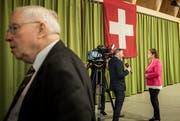 Christoph Blocher (links) und seine Tochter Magdalena Martullo-Blocher sind gegen den AHV-Steuer-Deal, den SVP-Finanzminister Ueli Maurer mit grosser Überzeugung vertritt. (Bild: Pascal Mora/Keystone)