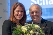 Sie strahlen an der DV der FDP: Parteipräsidentin Petra Gössi (links) und Bundesrat Johann Schneider-Ammann (Bild: Georgios Kefalas / Keystone (Pratteln, 29. September 2018))
