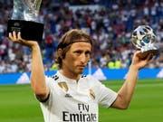 Luka Modric wurde bereits als bester WM-Spieler ausgezeichnet. Jetzt könnte er auch noch zum FIFA-Weltfussballer gewählt werden (Bild: KEYSTONE/EPA EFE/RODRIGO JIMENEZ)