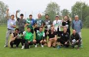 Die diesjährige Traumelf mit Trainer Werner Zünd (oben rechts). (Bild: PD)
