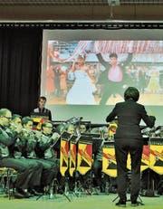 Das Orchester spielte Melodien aus Film-Klassikern wie zum Beispiel «Grease». (Bild: Ramona Riedener)