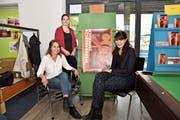 Das Redaktionsteam mit Sarah Mehrmann (Redaktionsleitung), Claudia Finkele und Caroline Schärli (von links). (Bild: Heini Schwendener)