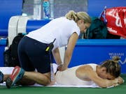 Probleme mit dem Rücken: die Weltnummer 1 Simona Halep verlor zum dritten Mal in Folge (Bild: KEYSTONE/EPA/WU HONG)