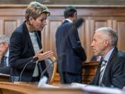 Karin Keller-Sutter (FDP/SG) und Konrad Graber (CVP/LU) haben im Parlament eine Änderung der Regeln über Arbeits- und Ruhezeiten angestossen. Die Ständeratskommission hat nun Gesetzesprojekte ausgearbeitet. (Bild: KEYSTONE/ALESSANDRO DELLA VALLE)