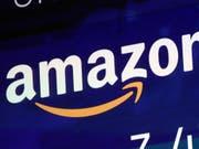 Der US-Internethändler Amazon hat als zweites Unternehmen nach Apple an der Börse die Billionenmarke geknackt. (Bild: KEYSTONE/AP/RICHARD DREW)