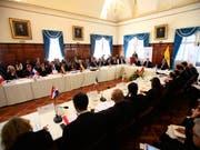 Vertreter aus 13 lateinamerikanischen Staaten suchen bei einem Treffen in Quito nach Lösungen für die Flüchtlingswelle aus Venezuela. (Bild: KEYSTONE/EPA EFE/JOSE JACOME)