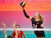 Laura Künzler (Nummer 14) war mit 9 Zählern die zweitbeste Punktesammlerin im jungen Schweizer Team (Bild: KEYSTONE/JEAN-CHRISTOPHE BOTT)