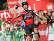 Ausgepumpt fährt der italienische BMC-Profi Alessandro De Marchi nach langen und harten 208 km dem Tagessieg entgegen (Bild: KEYSTONE/EPA EFE/MANUEL BRUQUE)