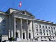 Das Bundesgericht hat das Zürcher Verwaltungsgericht wegen der verhängung zu hoher Gebühren gerügt. (Bild: KEYSTONE/LAURENT GILLIERON)