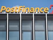 Postfinance soll in Zukunft Kredite vergeben dürfen. (Bild: KEYSTONE/PETER SCHNEIDER)