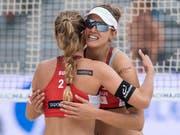 Sind an den Schweizer Meisterschaften auf Kurs: Nina Betschart (links) und Tanja Hüberli (rechts) (Bild: KEYSTONE/PETER SCHNEIDER)