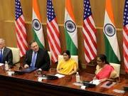 US-Verteidigungsminister Jim Mattis (l) und US-Aussenminister Mike Pompeo haben mit ihren indischen Amtskolleginnen Suhsma Swaraj und Nirmala Sitharaman einen Verteidigungspakt unterzeichnet. Dieser ermöglicht Indien, neueste Waffensysteme aus den USA zu beziehen. (Bild: KEYSTONE/EPA/HARISH TYAGI)
