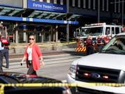 Bei einer Schiesserei in einer Bank von Cincinnati sind vier Menschen getötet worden, darunter der Angreifer. (Bild: KEYSTONE/AP/JOHN MINCHILLO)