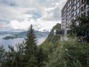 Die Sicht auf das Restaurant mit Aussicht am Bürgenstock Hotel hoch über dem Vierwaldstättersee. (Bild: KEYSTONE/URS FLUEELER)