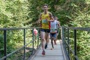 Nach zwei Kilometern in Richtung Blatten sind die Teilnehmer des 22. Ämmelaufs noch frisch. (Bild: Nadia Schärli (Littau, 8. September 2018))