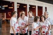 Simon Ammann zusammen mit Mitgliedern der Schweizer Special-Olympics-Delegation. (Bild: Nadia Schärli (Luzern, 8. September 2018))