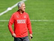 Von Nationalcoach Vladimir Petkovic und seinem Team ist mehr als ein positives Resultat gegen Island gefordert (Bild: KEYSTONE/WALTER BIERI)