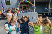 Lauter fröhliche Gesichter bei der Einweihung des erneuerten Bühlmatt-Schulhauses. (Bild: Philipp Schmidli (Udligenswil, 7. September 2018))