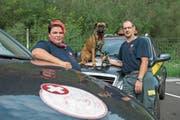 Immer im Einsatz für Tiere: Chiara und Marcel Henzen mit ihrer Boxerhündin Jessy. (Bild: Dominik Wunderli (Schattdorf, 6. September 2018))