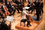 Expressiv im Klang und Körpersprache: Der österreichische Cellist Kian Soltani.