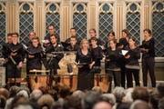 Neue und alte Psalmen sang der Konzertchor St.Gallen, hier mit Solistin Ursina Leuenberger. (Bild: Urs Bucher)