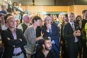 St.Galler Stadtparlamentswahlen 2016: Warten auf die Resultate. Mit diesen Wahlen wurde rund ein Drittel der bisherigen Mitglieder des Parlaments ausgewechselt, was eine hohe Quote ist. (Bild: Michel Canonica - 25. September 2016)