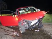 Bei einem Selbstunfall in Wintersingen BL wurden in der Nacht auf Sonntag fünf Personen zum Teil schwer verletzt. (Bild: Kantonspolizei Basel-Landschaft)