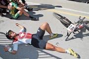 Ausgepowert: Ramona Forchini braucht einen Moment, um sich von den Strapazen zu erholen. Doch schon bald war sie wieder auf den Beinen und freute sich über eine unvergessliche Erfahrung in ihrer Sportkarriere. (Bild: Urs Huwyler)
