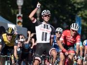 Hat allen Grund zum Strahlen: Der Australier Michael Matthews gewinnt zwei Tage nach seinem GP-Sieg in Québec auch den GP von Montreal (Bild: KEYSTONE/AP The Canadian Press/JACQUES BOISSINOT)