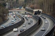 Das grösste Strassenbau-Projekt im Kanton ist die Engpassbeseitigung des überlasteten Stadttunnels. (Bild: Ralph Ribi)