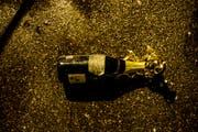 Überbleibsel von Silvester: eine Champagnerflasche. (Symbolbild: Keystone)