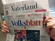 Die Tageszeitungen «Vaterland» und «Volksblatt». (Bild: Thorsten Fischer)