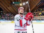 Tomas Kundratek - hier am Spengler Cup im Dress von Ocelari Trinec - verstärkt den HC Davos (Bild: KEYSTONE/SPENGLER CUP/MELANIE DUCHENE)
