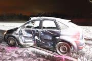 Der Unfall forderte zwei Verletzte. (Bild: Luzerner Polizei)