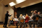 Die Musikgesellschaft bei den Proben vor ihrem Ereignis des Jahres. (Bild: Fynn Wohlgensinger (9. Januar 2019))