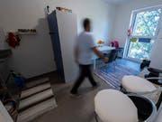 Terroristen sollen nicht als Asylbewerber in die Schweiz einreisen können. Der Nachrichtendienst des Bundes hat im letzten Jahr 21 Asyldossiers wegen Sicherheitsbedenken zur Ablehnung empfohlen. (Bild: KEYSTONE/MARTIAL TREZZINI)